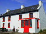 Teach Johnny, Inishbofin Island, Gortahork, Co. Donegal - House For Sale / 5 Bedrooms / €199,000